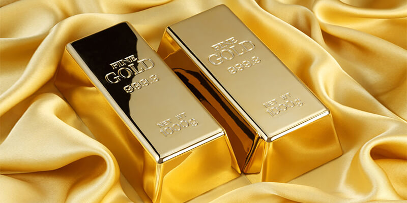 الذهب يتخلى عن مكاسبه الكبيرة طوال الأسبوع الماضي وسط ارتفاع الدولار